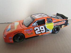 256F Action 102797 Nascar 2002 Chevrolet Mounted Carlo #29 Sylvania Harvick 1: