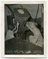 1951 Photo: RADAR OPERATORS - Kirtland AFB [New Mexico]