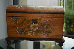 Antike Holzschatulle, Schmuckkiste, Schmucktruhe aus Holz mit Blumendekor