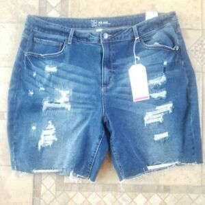 Womens No Boundaries Midrise Boyfriend Destroyed Jean Shorts Size 21 New