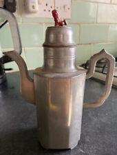 Hermosa Vieja antiguo chino Estaño Tea Pot. + caracteres chinos en base