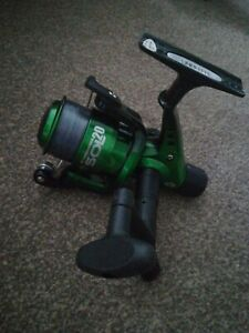 Fishing Reel brand new with 6lb line. Left or right handed  L@@k ideal