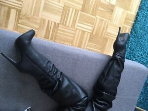 Exklusive High Heel Slouch Crotch Overknee Stiefel Boots in Gr.38 Schwarz NEU!
