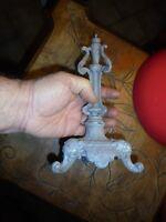 Ancien Piètement de Candélabre Chandelier en Régule au Têtes de Lion ou Chimère