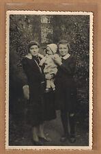 Carte Photo vintage card RPPC femme jeune fille bébé manteau robe mode kh0206