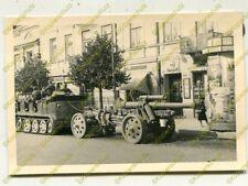 Foto, Wehrmacht, Sdkfz, Halbkette + Geschütz in Radom, Polen (N)19451