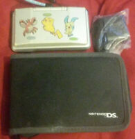 nintendo ds w 8 games, travel case, charger and 3 stylus