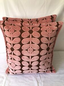 1 CUSHION COVER IN ORLA KIELY VELVET SIXTIES STEM BUBBLEGUM, FABRIC BOTH SIDES