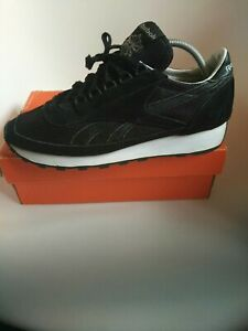 Reebok Classic mens trainers Size 9 Black authentic 100% LIMITED