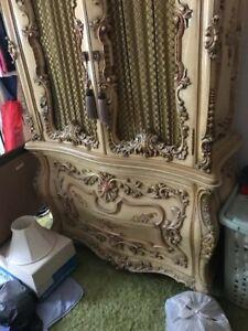 Fine Italian Bedroom Furniture