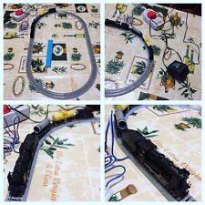 Circuito ferroviario con  locomotiva a vapore e vagoni Kato in scala N analogico