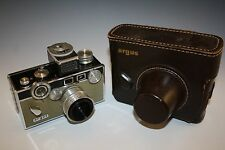 ARGUS c3 TAN MODEL PHOTO CAMERA WITH 50mm F-3.5 LENS WITH CASE