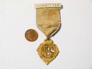 Rare 1905 LICENSED VICTUALLERS BEER RETAILERS Committee Jewel Medal #LV1