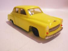 Gelber Wartburg 311 mit Uhrwerk Antrieb wohl Presu DDR Spielzeug selten !