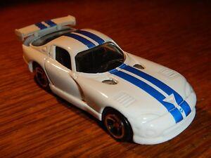 Maisto White & Blue 1998 Dodge Viper GT2, Excellent Condition