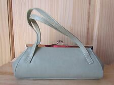 CLASSIC VINTAGE HARD SHELL HANDBAG CLUTCH WITH KISS LOCK SEAFOAM GREEN EUC!