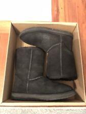 Ugg classic short Boot Size 7 Black