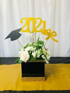 Graduation Centerpiece Class of 2021, Graduation party decor, Centro de mesa