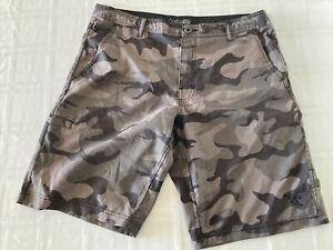 Da Hui Hybrid Collection Men's Sz 36 Camo Shorts Swim Trunks TS0