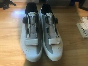 Cycling shoes road