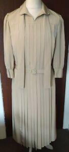 Stunning Schworm Modell Dress True Vintage Beige Pleated Size 12/ 14 Belted