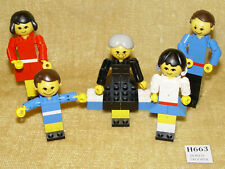 LEGO Sets: Building Set With People: Recreation: 200-1 Family (1974) Homemaker