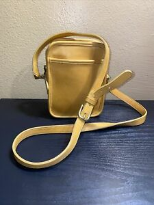 vintage Coach yellow leather rectangle crossbody shoulder  bag brass hardware
