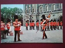 POSTCARD CHANGING THE GUARD CEREMONY - BUCKINGHAM PALACE