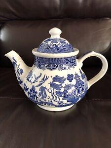 Vintage Churchill England Teapot Blue & White Willow Pattern