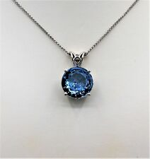 Blue Topaz Pendant Whie Gold
