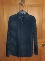 DOCKERS SIGNATURE NO WRINKLE SHIRT - SMALL - RETAILS @ 55.00 (BL-49-7)