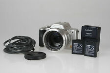 Panasonic Lumix DMC-FZ20, 5,0 M/Pix Digitalkamera mit Leica 2,8/6-72mm Elmarit