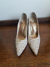 Vizzano Ana Hickmann cream and gold wedding/party shoes size 8.5
