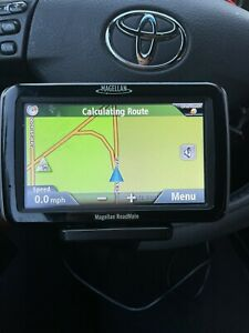 Magellan RoadMate 3045-LM Auto GPS Navigator w/ Window Mount Cord Bundle
