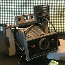 POLAROID 420 INSTANT LAND CAMERA W/FLASH ATTACHMENT & CUBES