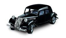 Burago 1 24 Auto montata CITROEN 15cv TA 1936 bianca (rare) Art 1501