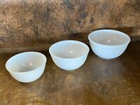 Set of 3 Vintage Fire King White White Fluted Mixing - Serving Bowls / Nesting
