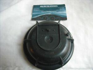 A GENUINE VOLVO V70 S60 S80 HEADLIGHT HEADLAMP REAR BULB COVER CAP  2000-2004