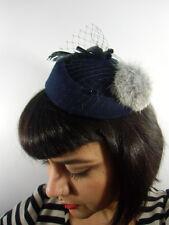 Mini chapeau bibi rétro vintage bleu marine voilette pompon fausse fourrure
