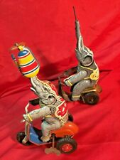 Elefant Dreirad Blech Uhrwerk..1x Made in Germany ( +  1x ohne Gemarkung dazu )