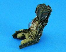 Legend 1/32 Martin-Baker SJU-17 Ejection Seat Set w/S.Belts (F-18, 2 pcs) LF3213