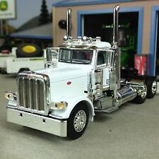 1/64 DCP WHITE 389 PETERBILT DAY CAB