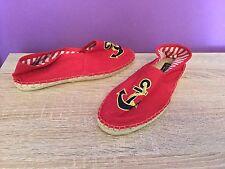 Office Girl Red Canvas resbalón en bombas, Cubierta Zapatos. UK Size 5. efecto de paja, pisos