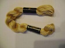 DMC coton perlé N° 5 pour la grosseur et N°738 pour la couleur, long 25 mètres