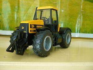 SIKU Tracteur JCB Fastrac 2150, 4 roues motrices  ref 3160, échelle 1/32 + boîte