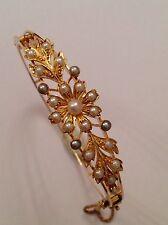 Excelente Calidad Antiguo Victoriano 15 Ct Oro Y Perla Conjunto Floral con bisagras brazalete de semillas