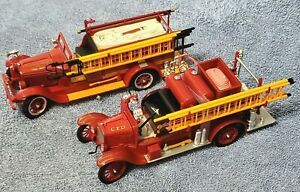 LOT OF 2 - 1926 Ford Model T 1928 REO Fire Truck by Signature 1:32 Die Cast NOS