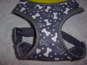 gray BONE Dog Body Harness Vest S New Pet choke free Simply Wag Small