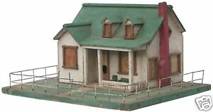 A Very detailed OLD model house BIRDHOUSE. Great Piece.