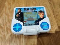 TIGER ELECTRONICS HOME ALONE 2 LOST IN NEW YORK DIGITAL LCD HANDHELD GAME UK
